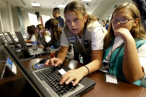 girls with technology(comons wikipedia)